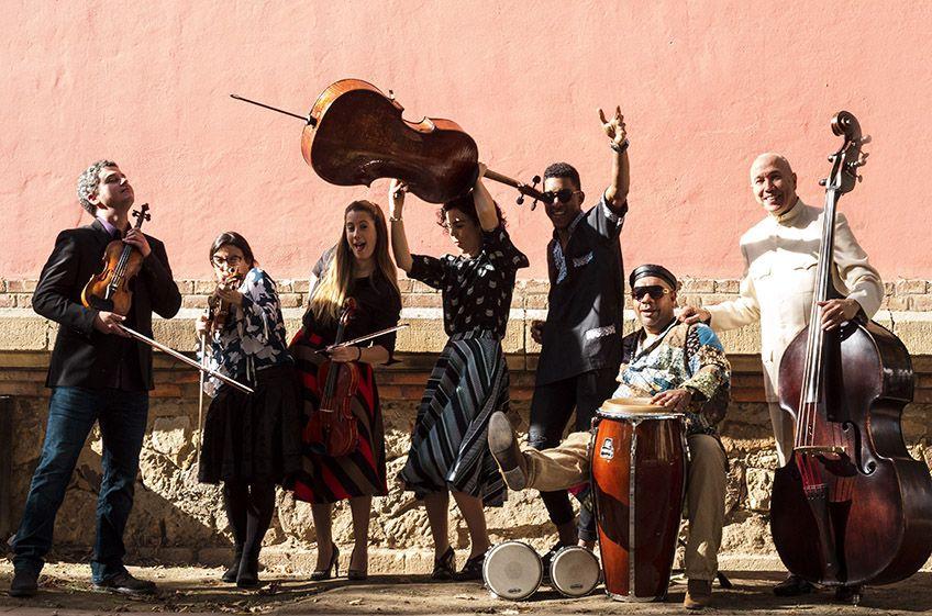 Al son de Latinoamérica<br>Yakambu