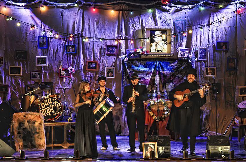 El funeral<br>Teatro Che y Moche