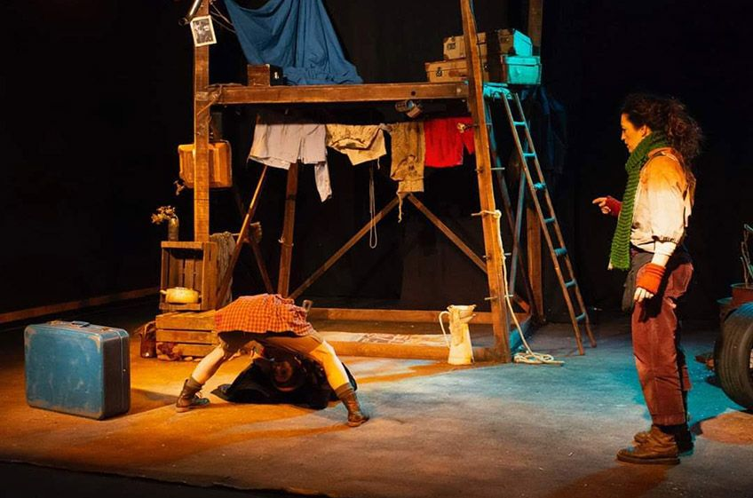 """Etxerik  txikiena""<br>Yarleku  Teatro"