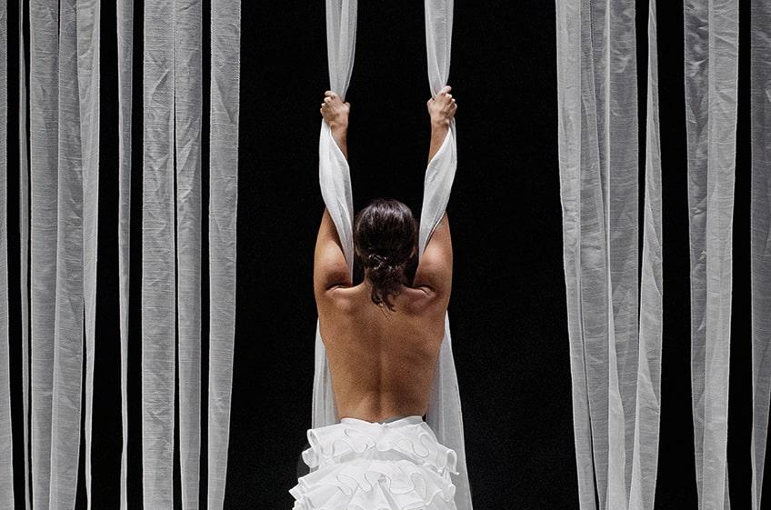 «Éclat. Fragmento desprendido de un cuerpo que explota»<br>Cía. Adriana Bilbao